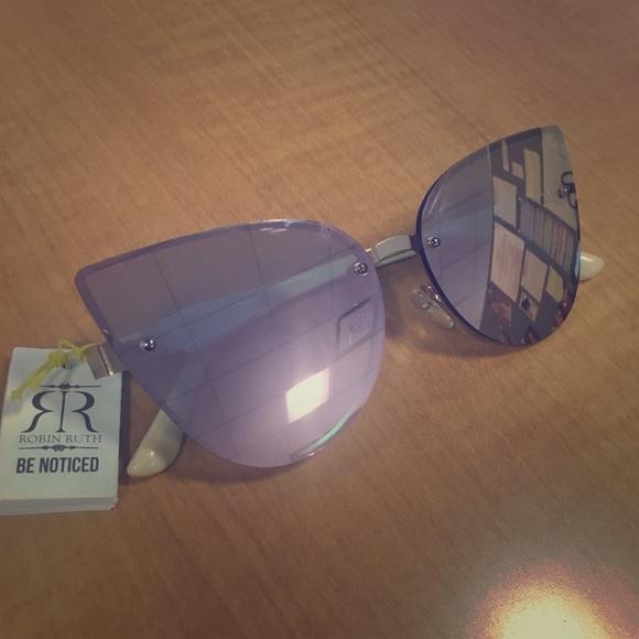 161aa33c81e 😍🙌🏽✨Robin Ruth Sunglasses 🕶